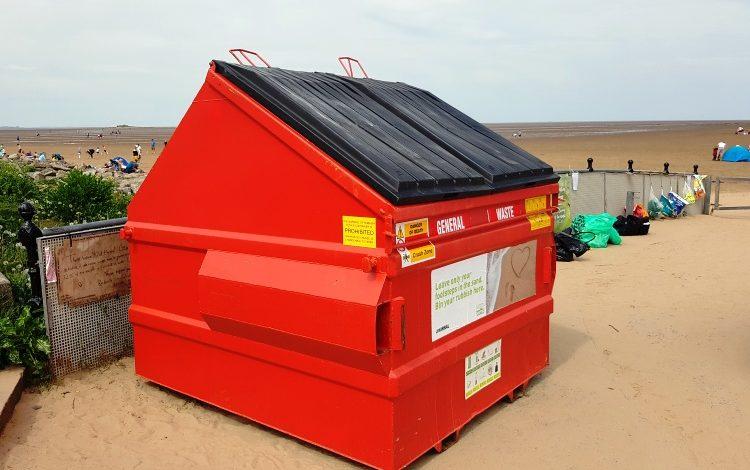 New jumbo waste bin to tackle litter
