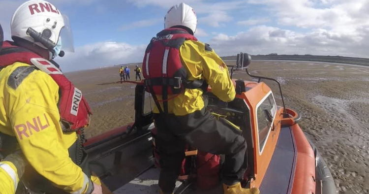 Hoylake hovercraft in Leasowe Bay rescue
