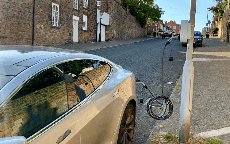 Hoylake trials electric vehicle charging points